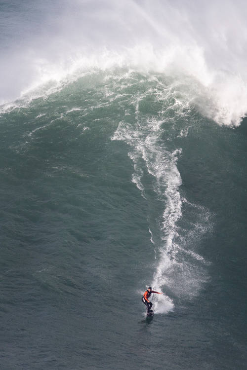 Nazaré reaches massive new heights