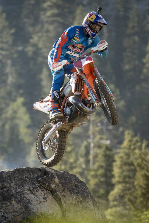 The enduro rider