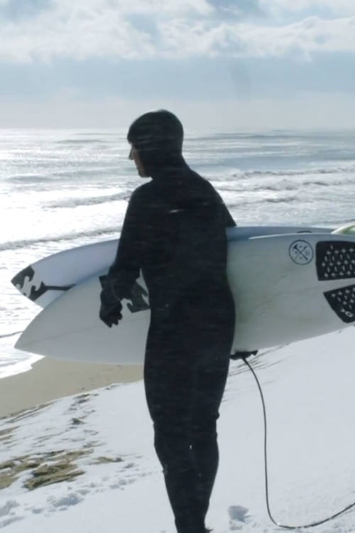 Snow doesn't stop surf