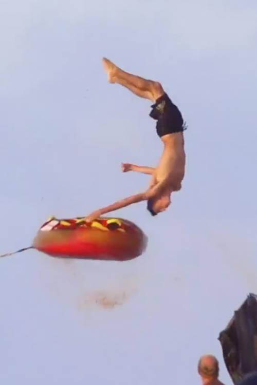 Flying Bikini Babes