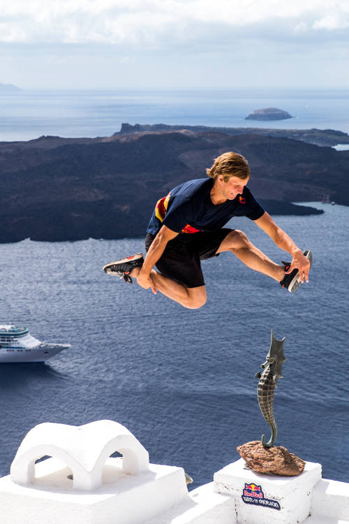 Freerunning in Santorini