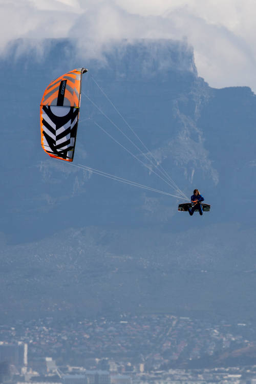 Kiteboarding New Heights