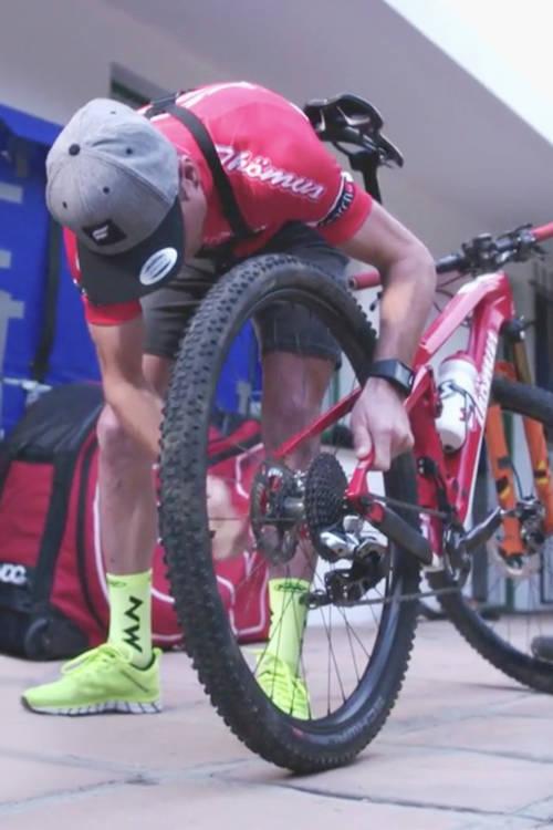 Wheel change challenge with Thömus/RN Racing