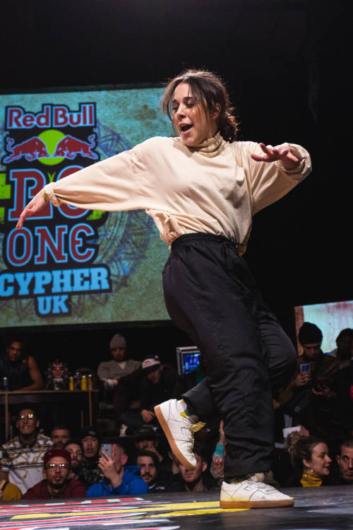 B-Girls final: Rawgina vs Vanessa