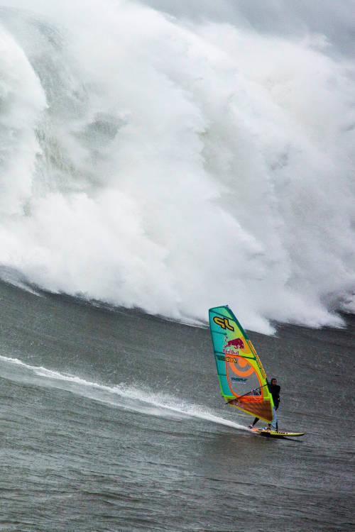Windsurfing Nazaré