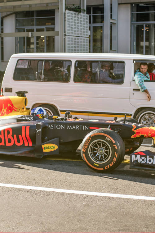 Coulthard vs taxi