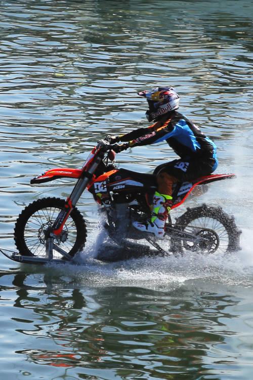 Robbie Maddison's port ride