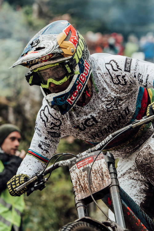Best men's DH moments in La Bresse