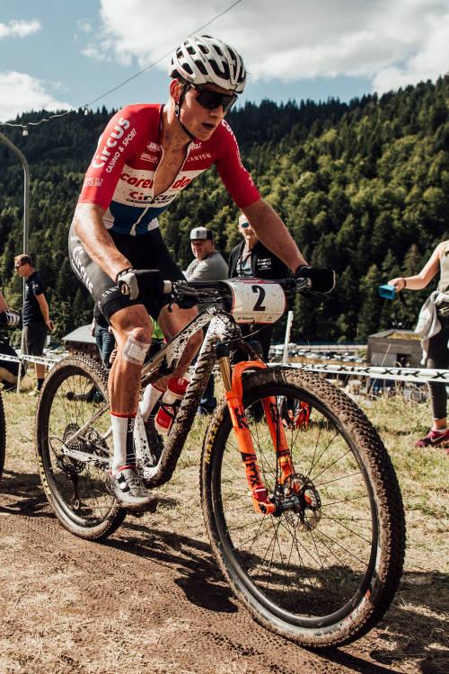 XCC short track action at La Bresse