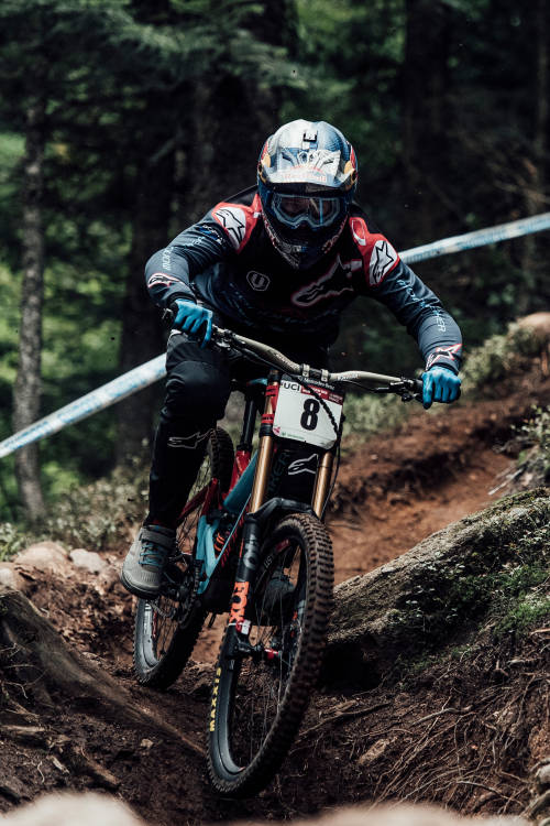 Men's 3rd place DH run in La Bresse