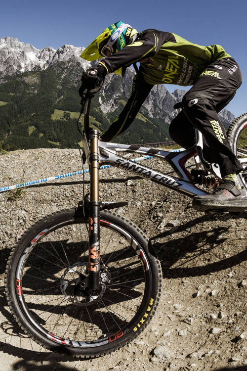 Andrew Neethling's Pre-Race Run – Leogang