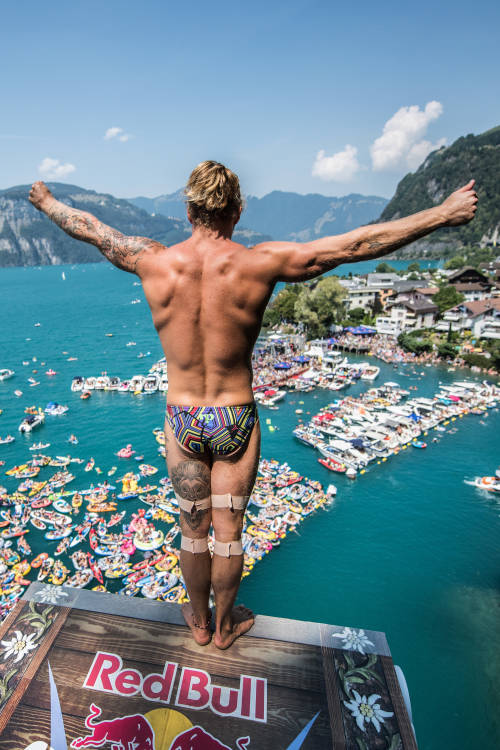 Top 5 Red Bull Cliff Diving Sisikon moments