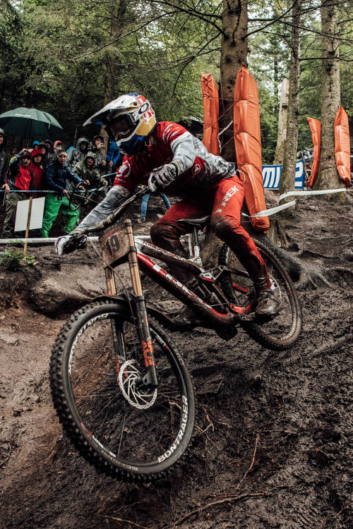 Gee Atherton's run in La Bresse
