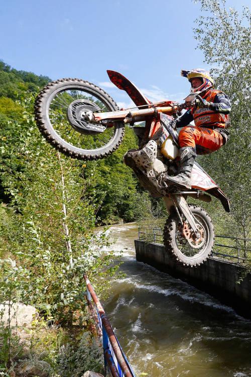 Best of amateur riding