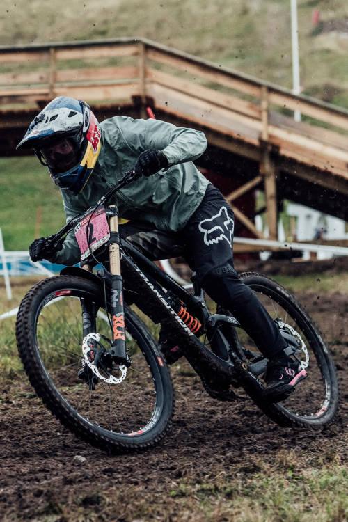 Women's 2nd place DH run in La Bresse