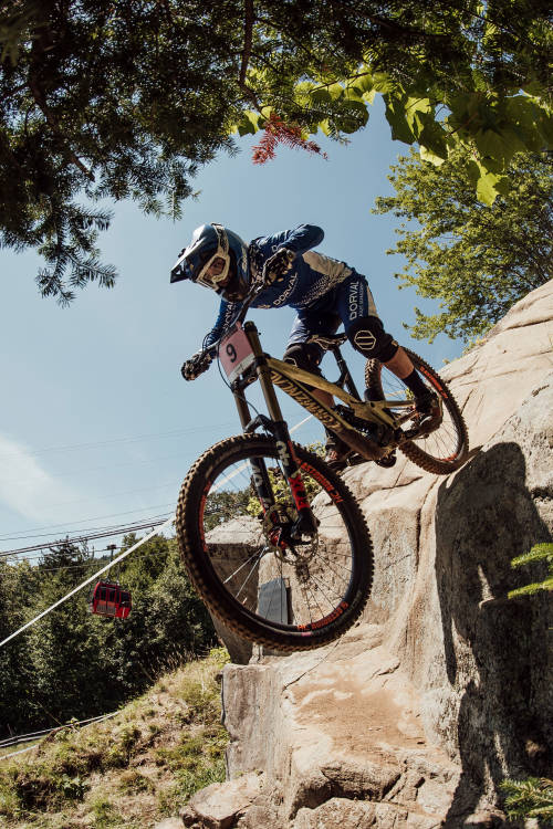 Best women's DH moments from Mont-Sainte-Anne