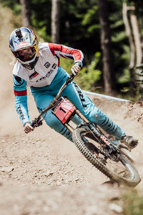 Women's DH 2nd place run – Vallnord