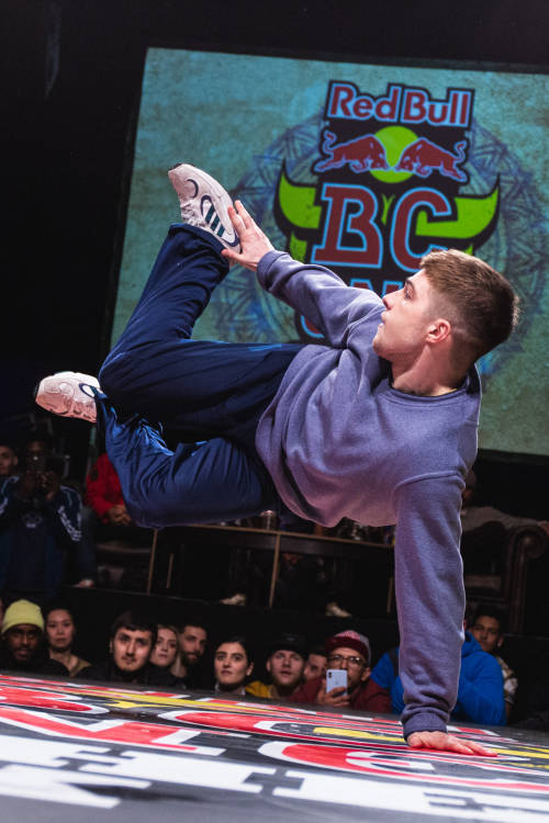 B-Boys final: Izaak vs Snackson
