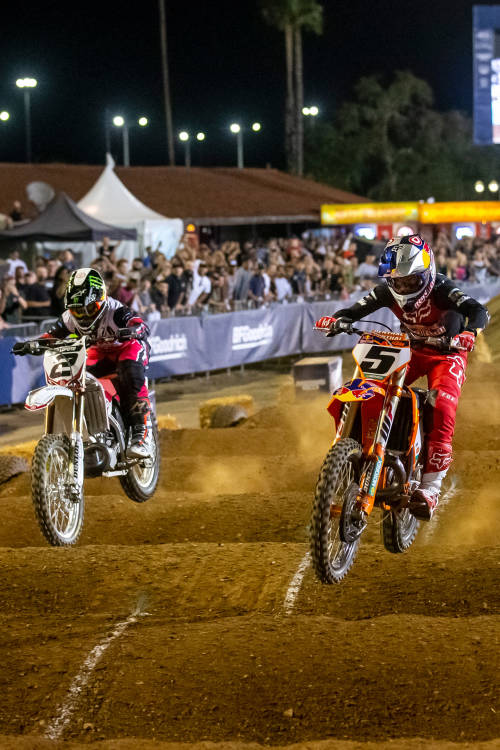 Ryan Dungey vs Ryan Villopoto (EN)