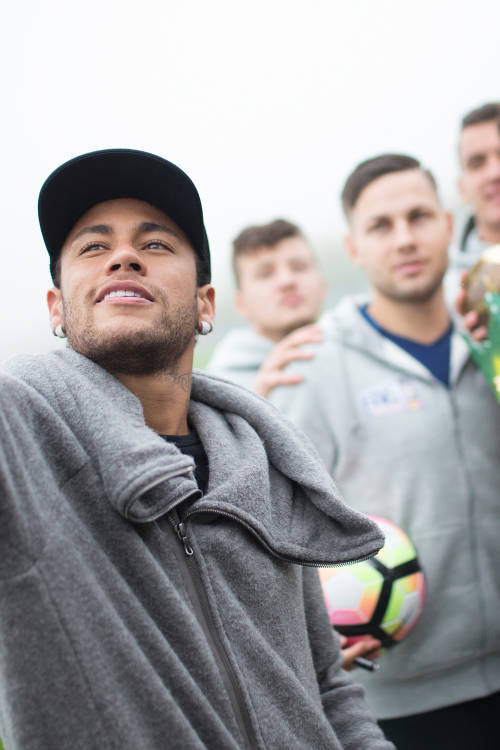Neymar Jr's Five 2017 Winners Meet Neymar