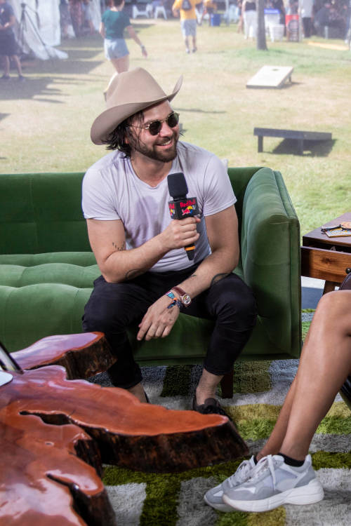 Interview with Shakey Graves