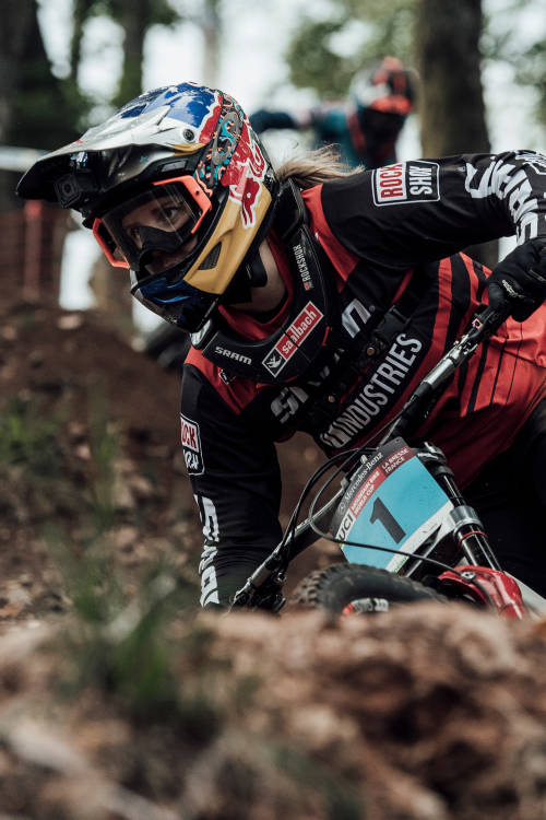 Best women's DH moments in La Bresse
