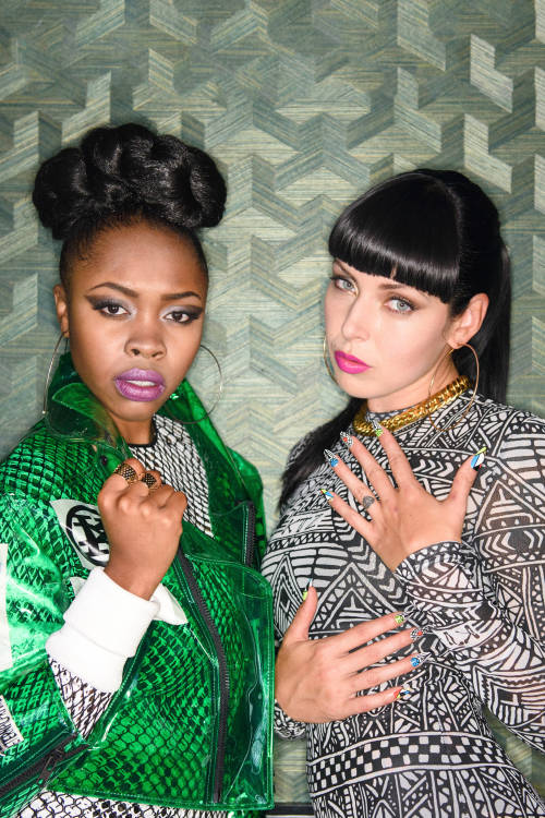 Sleigh Bells (featuring Tink) – That Did It