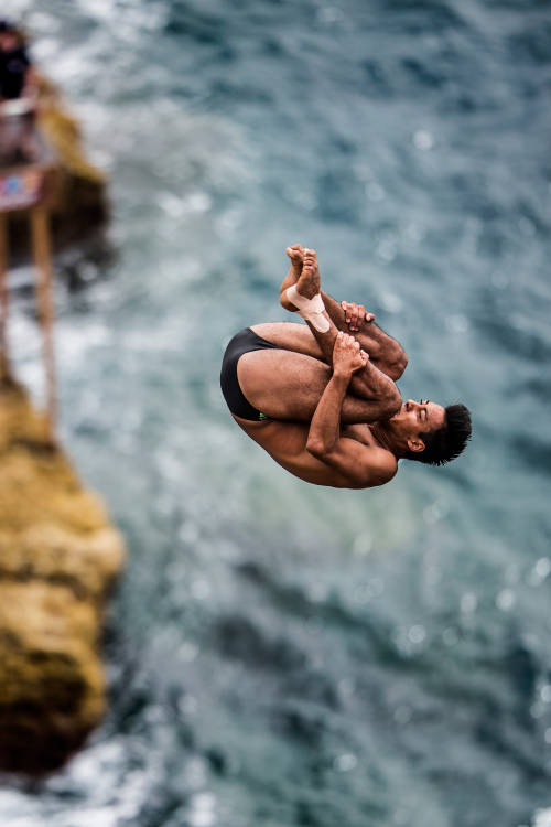What is Cliff Diving?