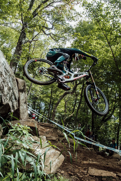 Best men's DH moments from Mont-Sainte-Anne